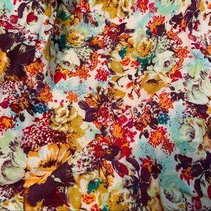 Midtown Skirts - ⚡️2 for $20⚡️Midtown floral skirt